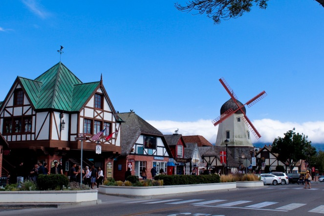 A Day in Solvang, CA and Ostrichland on sunscreenandplanes.com-17